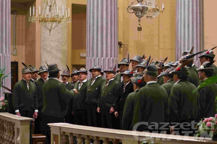 Applausi nel Cuneese per il coro Monte Cervino