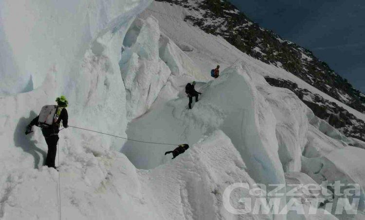 Monte Bianco: ritrovati senza vita i due alpinisti dispersi