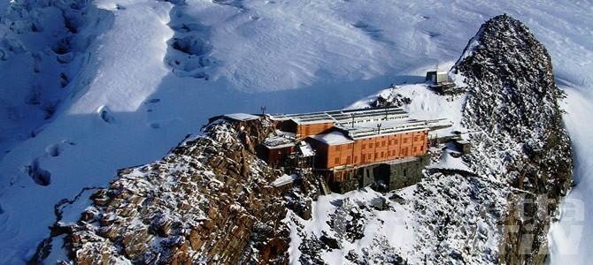 Alpinista muore 'fulminato' da un infarto in quota