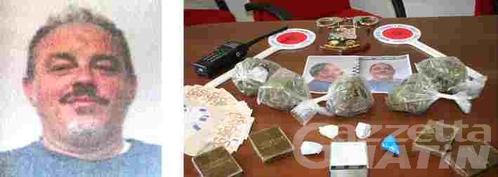 Spacciava in casa hashish, marijuana e cocaina; arrestato pizzaiolo di Aosta