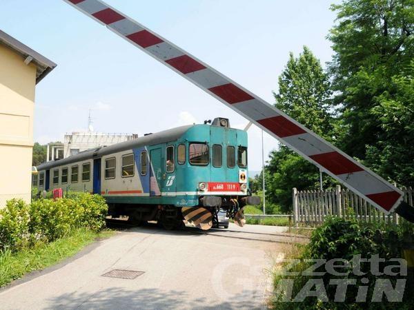 Furto di cavi di rame blocca i passaggi a livello tra Ivrea e Strambino: treni in ritardo di 40 minuti