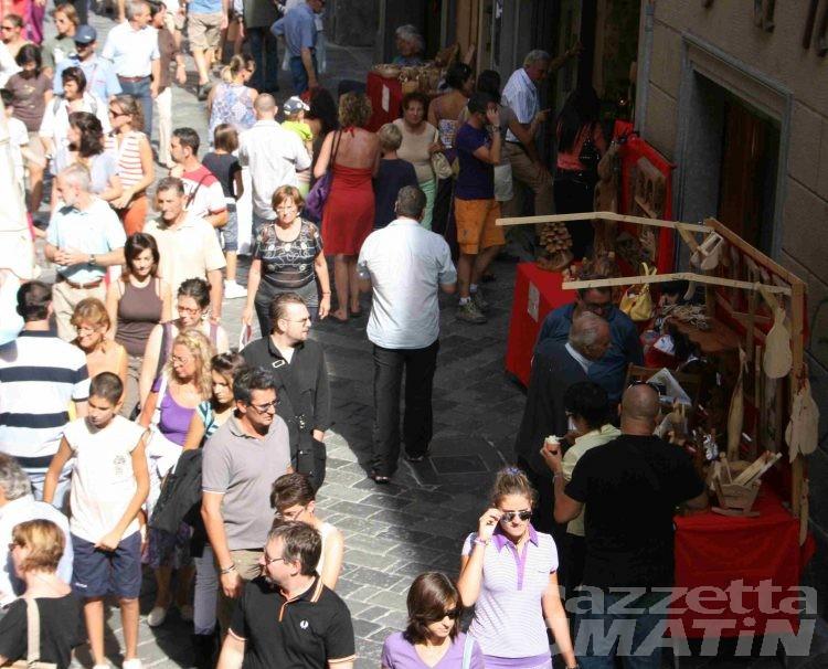 Turismo: per l'estate di Aosta, musica e street party