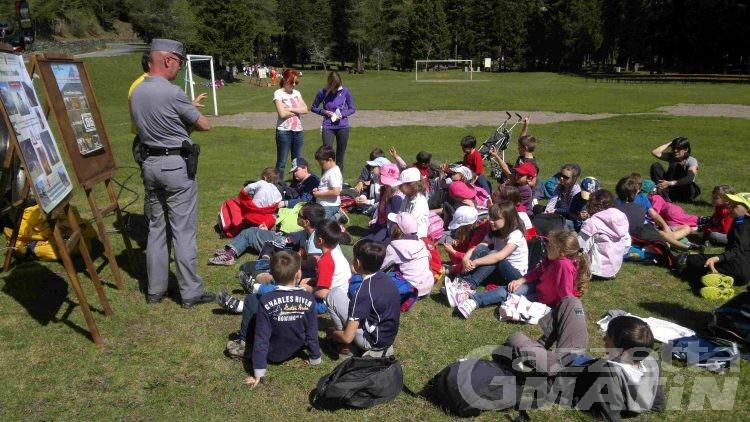 A lezione nella natura per i bimbi della Monte Cervino