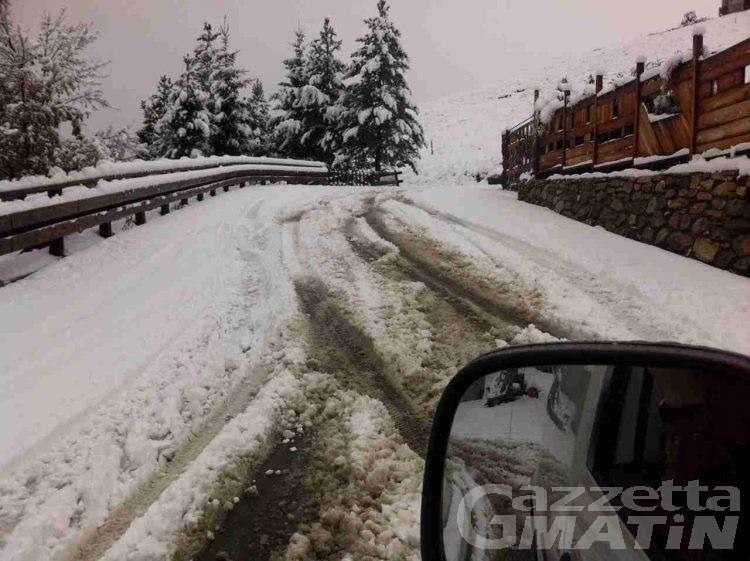 Saint-Pierre, Vetan isolata per la neve