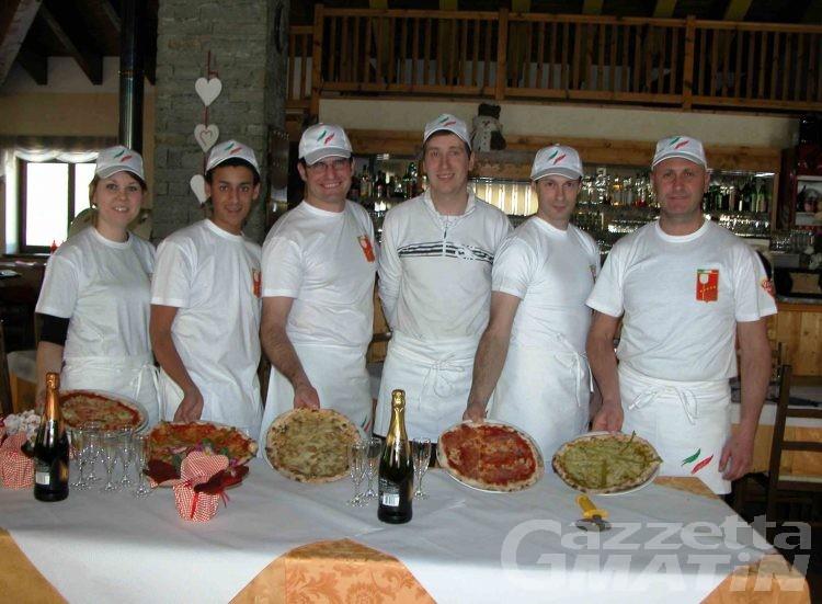 Cinque neo pizzaioli pronti a intraprendere la professione