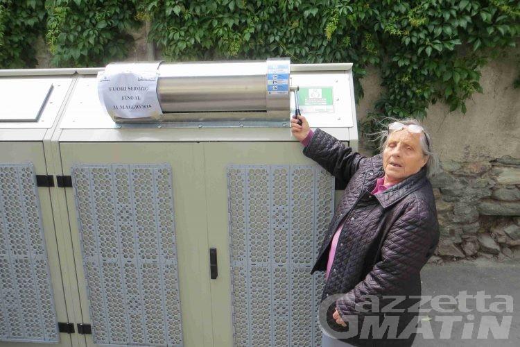 Aosta: la nuova raccolta dei rifiuti deve ancora partire, ma scoppia già la polemica
