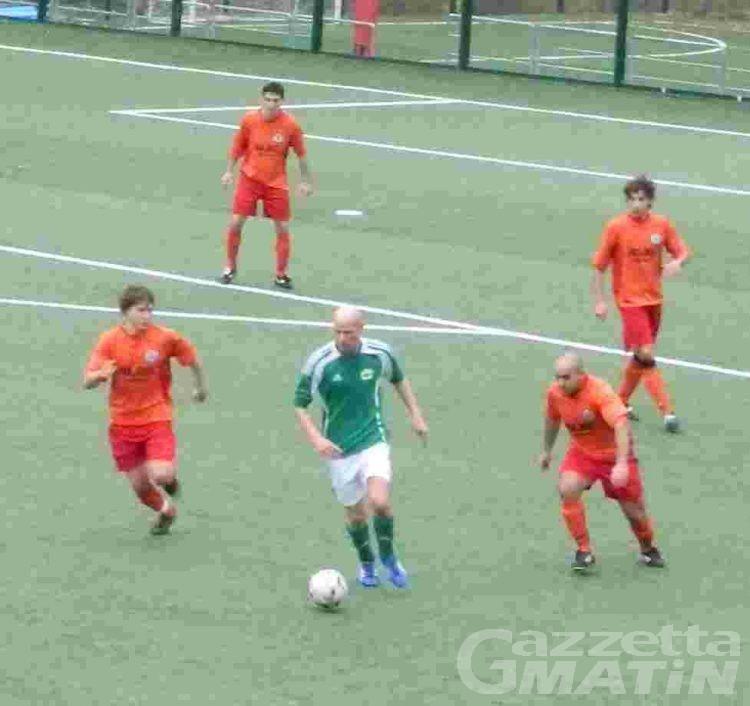 Calcio: l'Aygreville vola a +6; goleade di Charva e Pont