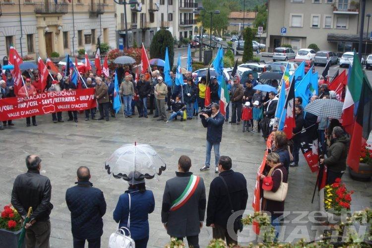 Primo Maggio: sindacati, rimettere al centro il  lavoro