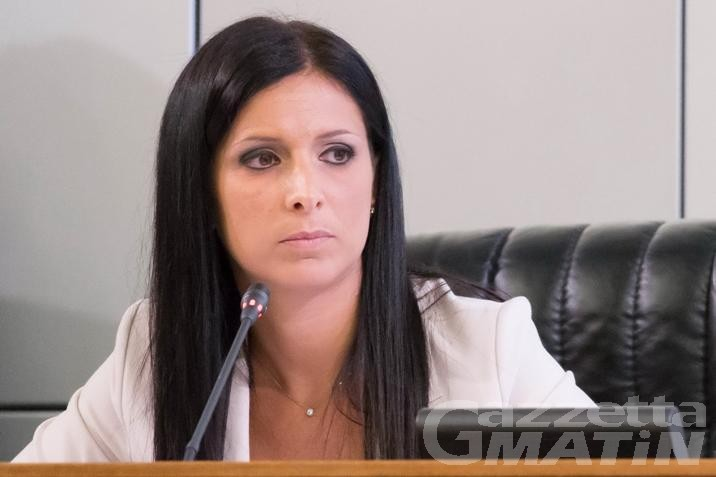 Consiglio Valle: la presidente Emily Rini sotto attacco; l'opposizione: «Non ci sentiamo più rappresentati»