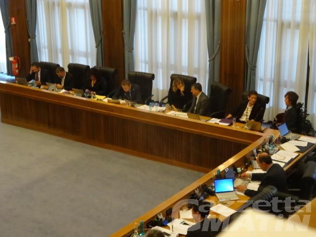 Costi della politica: non passa la proposta dell'Uvp di ridurre stipendi e numero dei consiglieri