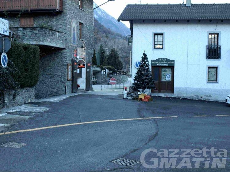 Fénis, riaperta alla circolazione la strada del borgo