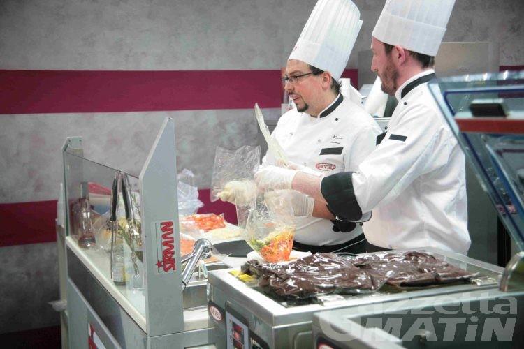 Cucina, chef a lezione per 'Un giorno per il sottovuoto'