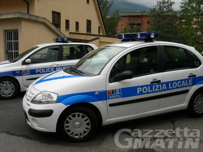 Polizia locale: sanzioni in calo, ma non quelle relative a patenti ritirate e sospese