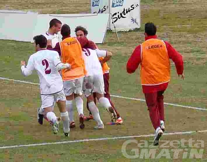 Calcio: un triplo Sinato riporta il sorriso al VdA