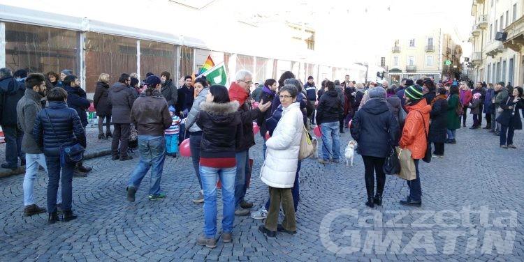 Unioni Civili: pochi in piazza per 'SvegliaItalia'