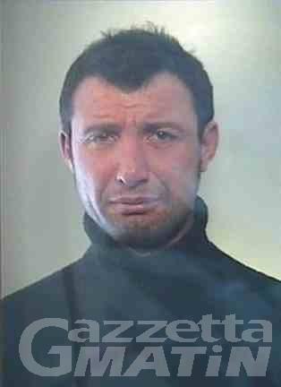 Châtillon, picchia la moglie con un mattarello, arrestato