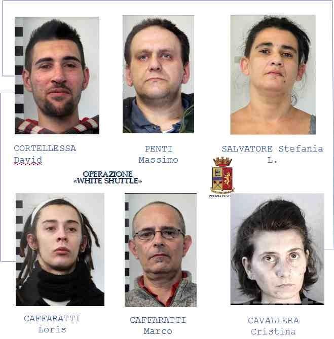 Droga: in 2 mesi, un kg e mezzo tra eroina e cocaina da Milano ad Aosta attraverso un servizio di «navetta bianca»