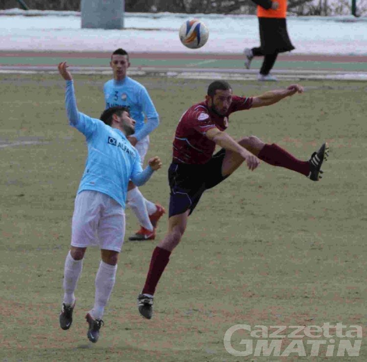 Calcio: tegola sul St-Chri VdA, si ferma Pierobon