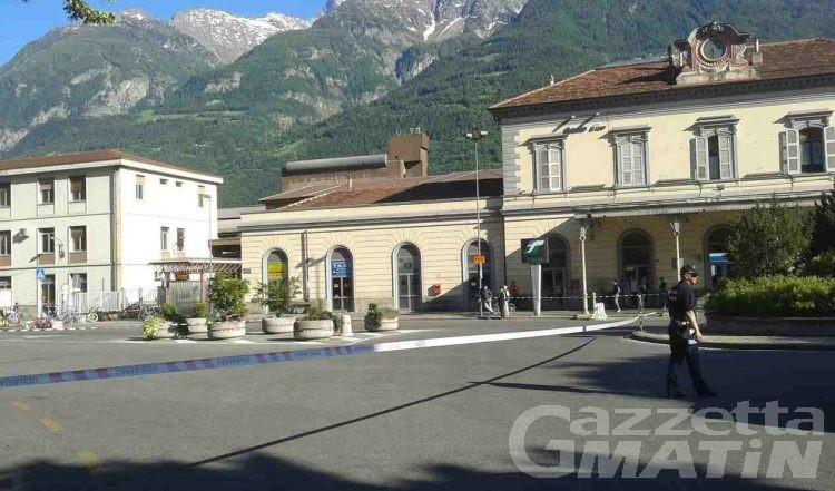 Allarme bomba Aosta: artificieri al lavoro nei pressi della stazione ferroviaria