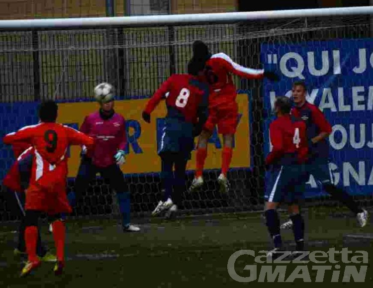 Calcio: emozioni senza fine nel derby Hône-Pont Donnaz