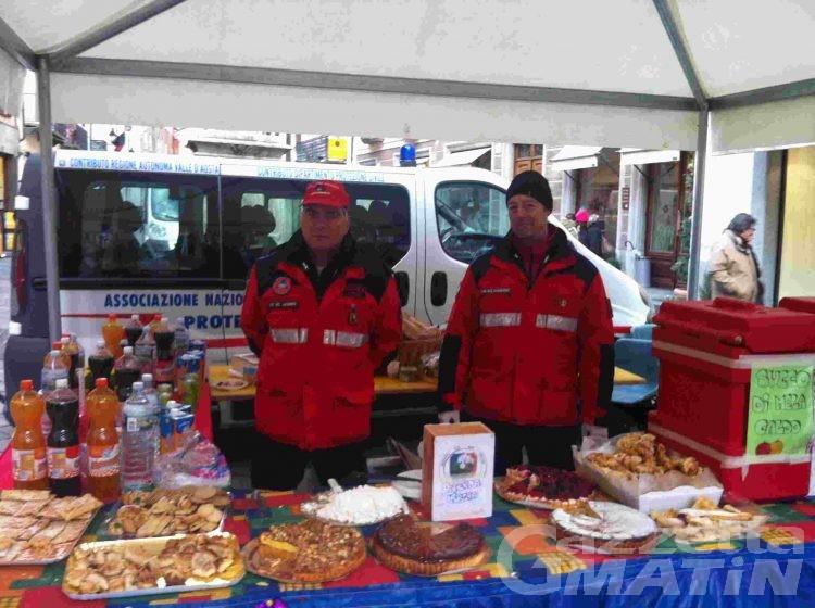 Carnevale ad Aosta: prima uscita delle mascherine in place des Franchises