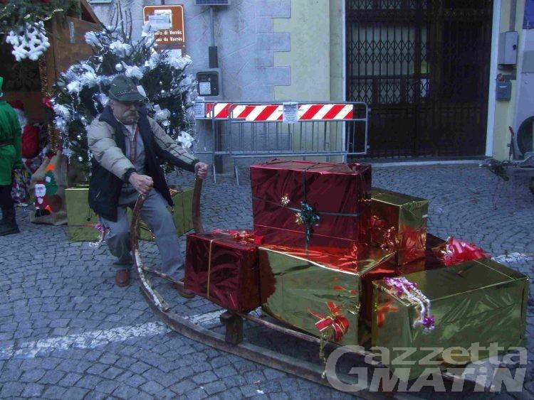 Verres, gli hobbisti inaugurano gli eventi natalizi
