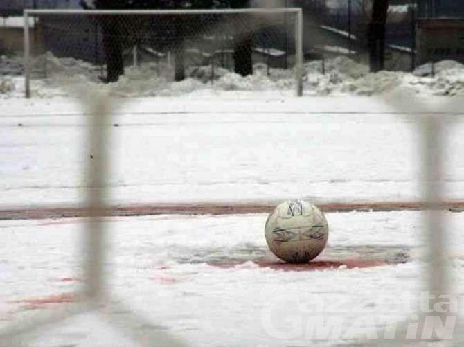 Calcio: neve a Pianezza, il St-Chri VdA non gioca