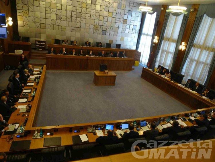 Consiglio Valle: la minoranza polemizza sull'ingresso del Pd in maggioranza