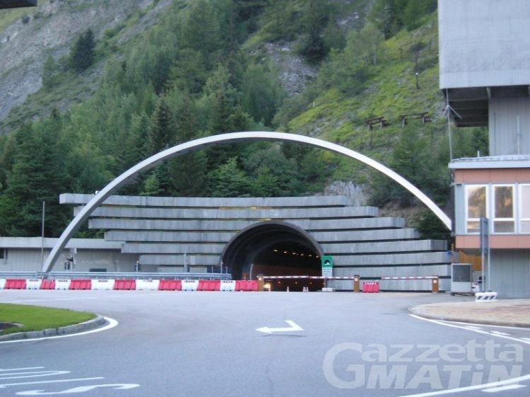 Monte Bianco: fermato furgone con opere d'arte del XV secolo