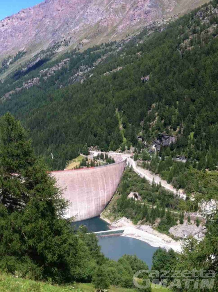 Valgrisenche: chiuso il coronamento della diga