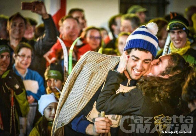 Fondo: bagno di folla nel borgo di Nus per Federico Pellegrino