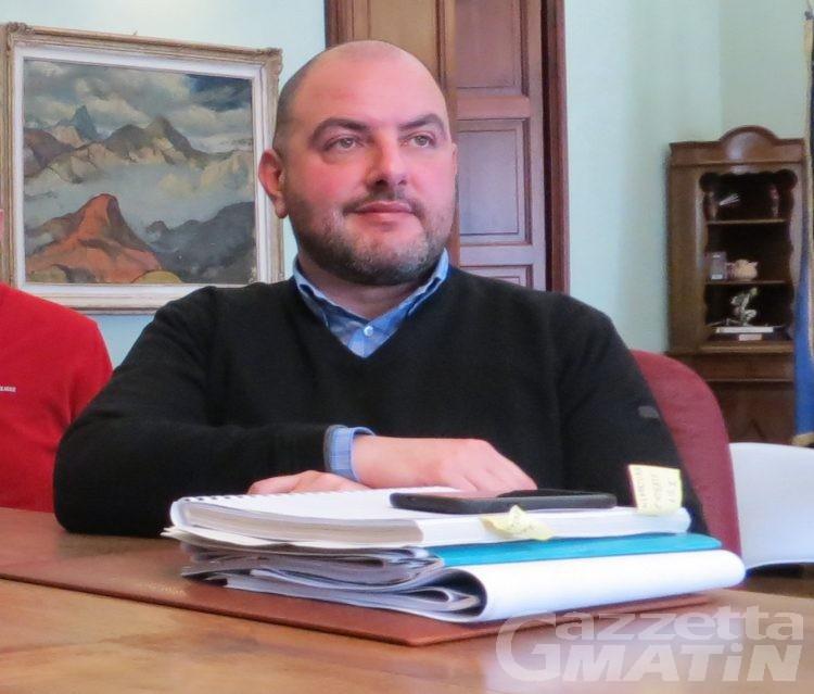 Aosta: la maggioranza del gruppo UV difende Carlo Marzi