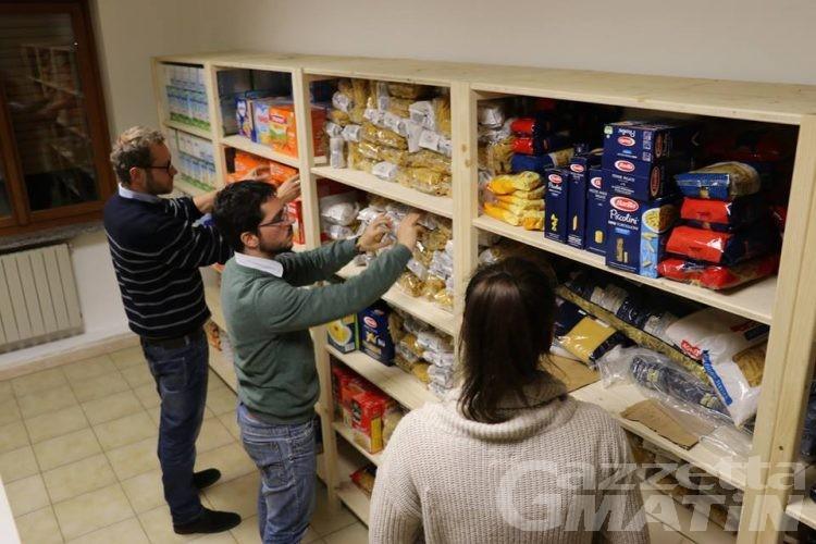 Povertà, l'appello dell'Emporio solidale: «donate cibo»