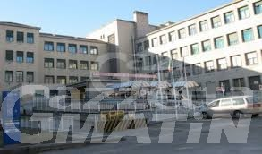 Aosta: bimbo di 4 anni cade da balcone, è grave