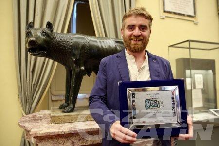 Libri, a Paolo Cognetti il Premio Strega Giovani
