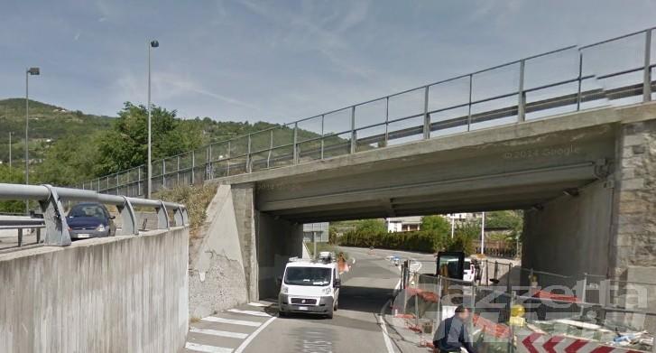 Aosta: cadono calcinacci dal cavalcavia, chiusa Salita della Consolata