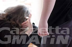 Stalking: minacce e botte alla ex, arrestato pregiudicato