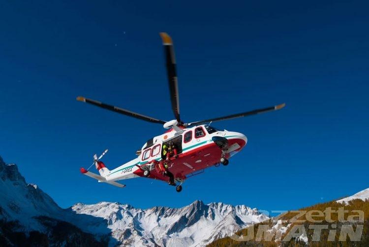Incidente sul Gran Paradiso: l'alpinista finito nel crepaccio è un marchigiano di 27 anni