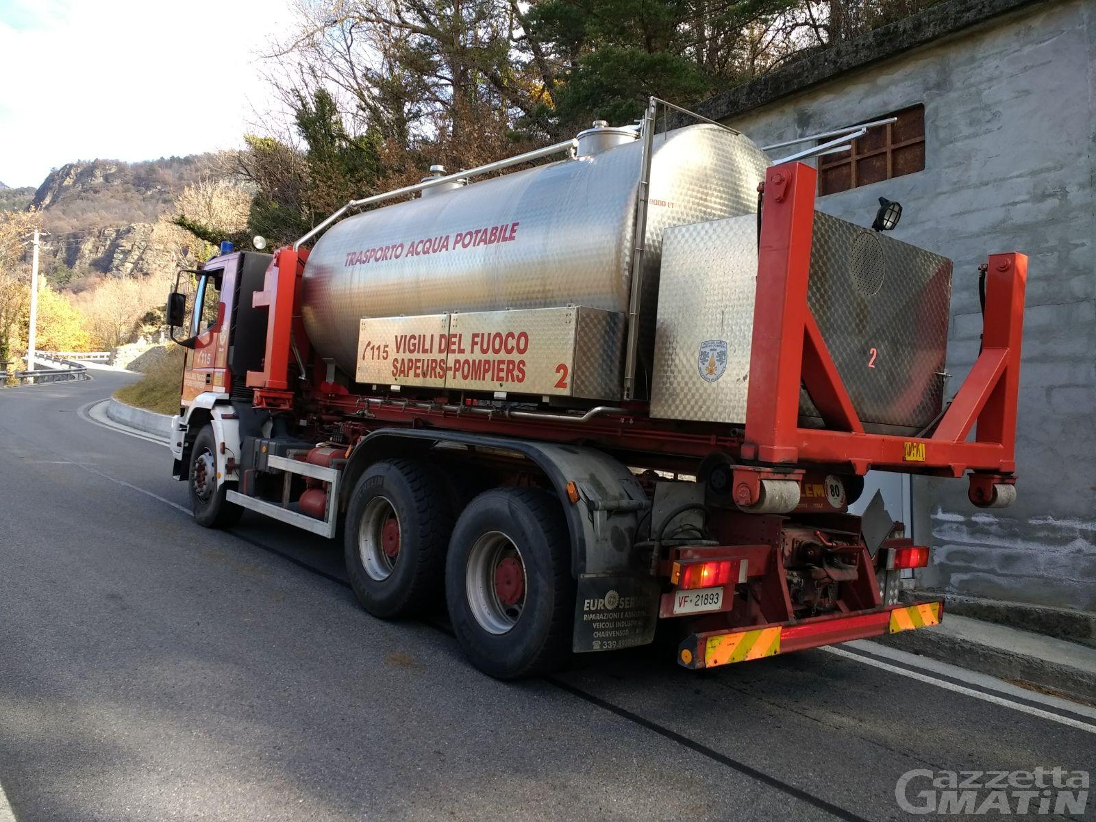 Siccità: autobotte con acqua potabile per Montjovet