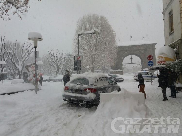 Neve, perdura il preallarme ma le scuole regionali apriranno