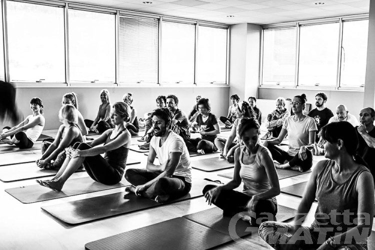 Yoga, 108 Saluti al Sole per aspettare la primavera