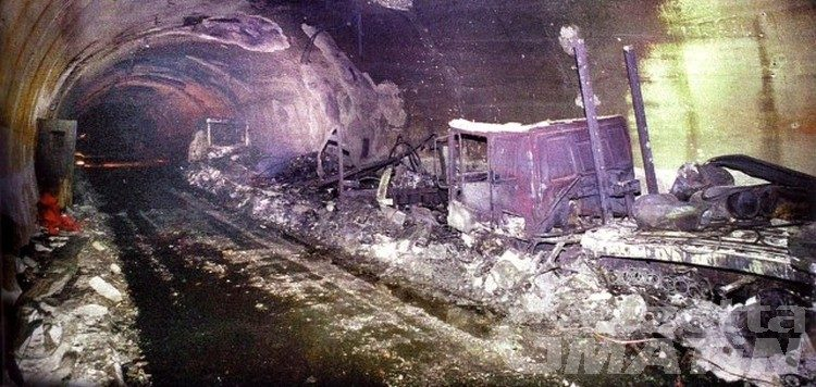Tunnel del Monte Bianco, la Valle ricorda la tragedia del rogo