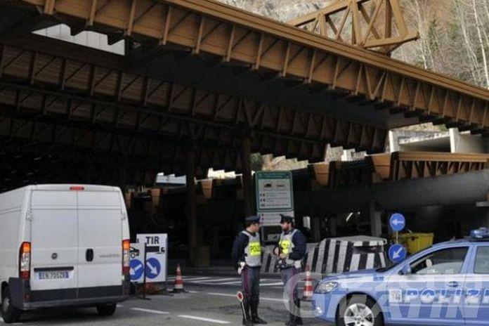 Favoreggiamento dell'immigrazione clandestina: un arresto al Traforo del Monte Bianco