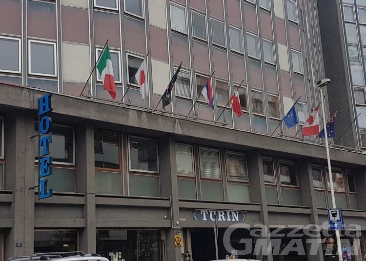 Aosta, chiuso l'hôtel Turin; apre a dicembre Omama Hôtel