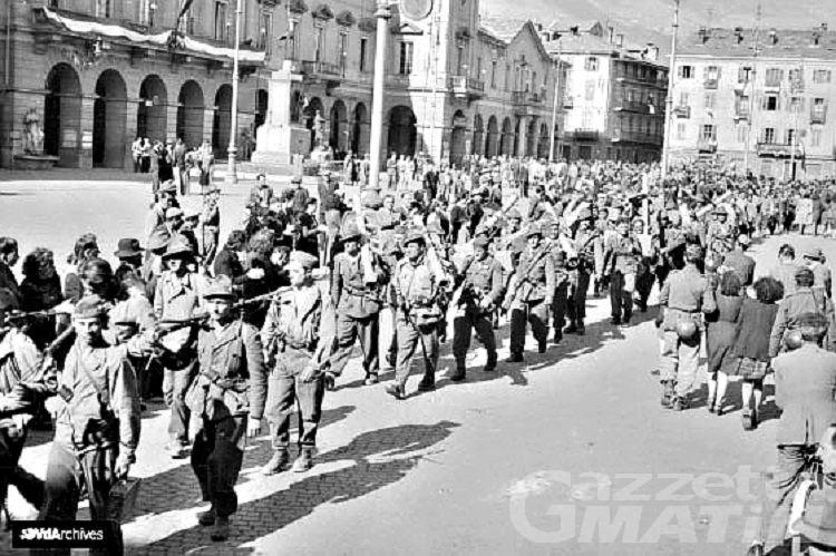 25 aprile: fiori, tricolore al Forte e Bella Ciao dal balcone per la Liberazione