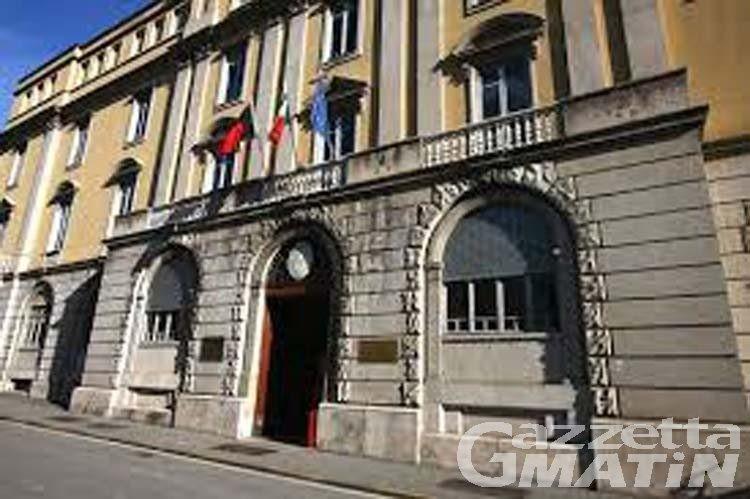"""Aosta, 49enne assolto dall'accusa di aver """"palpeggiato"""" una donna in strada"""
