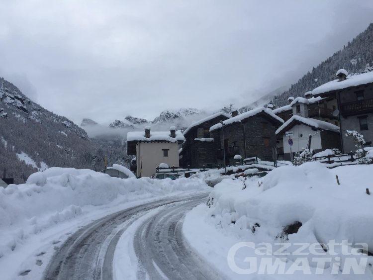 Maltempo: chiuse le strade per Champorcher e Valsavarenche