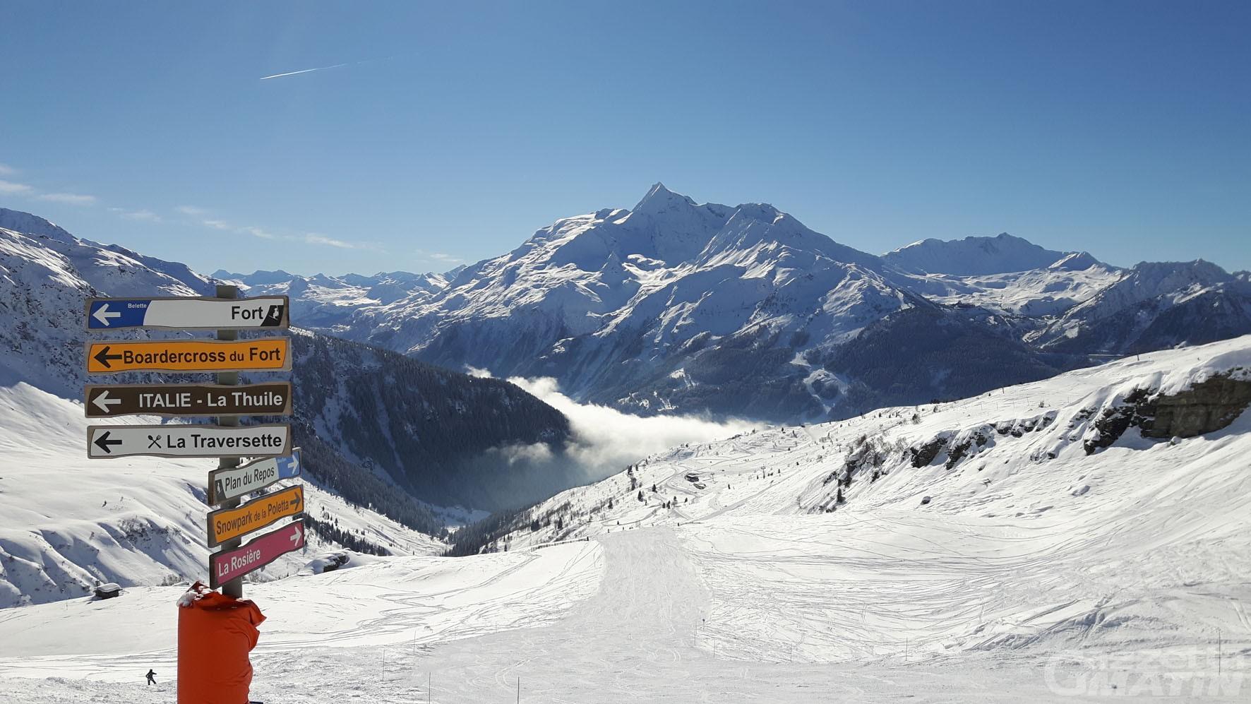 Coronavirus: la Francia invita i turisti sulle piste da sci a La Rosière e Chamonix
