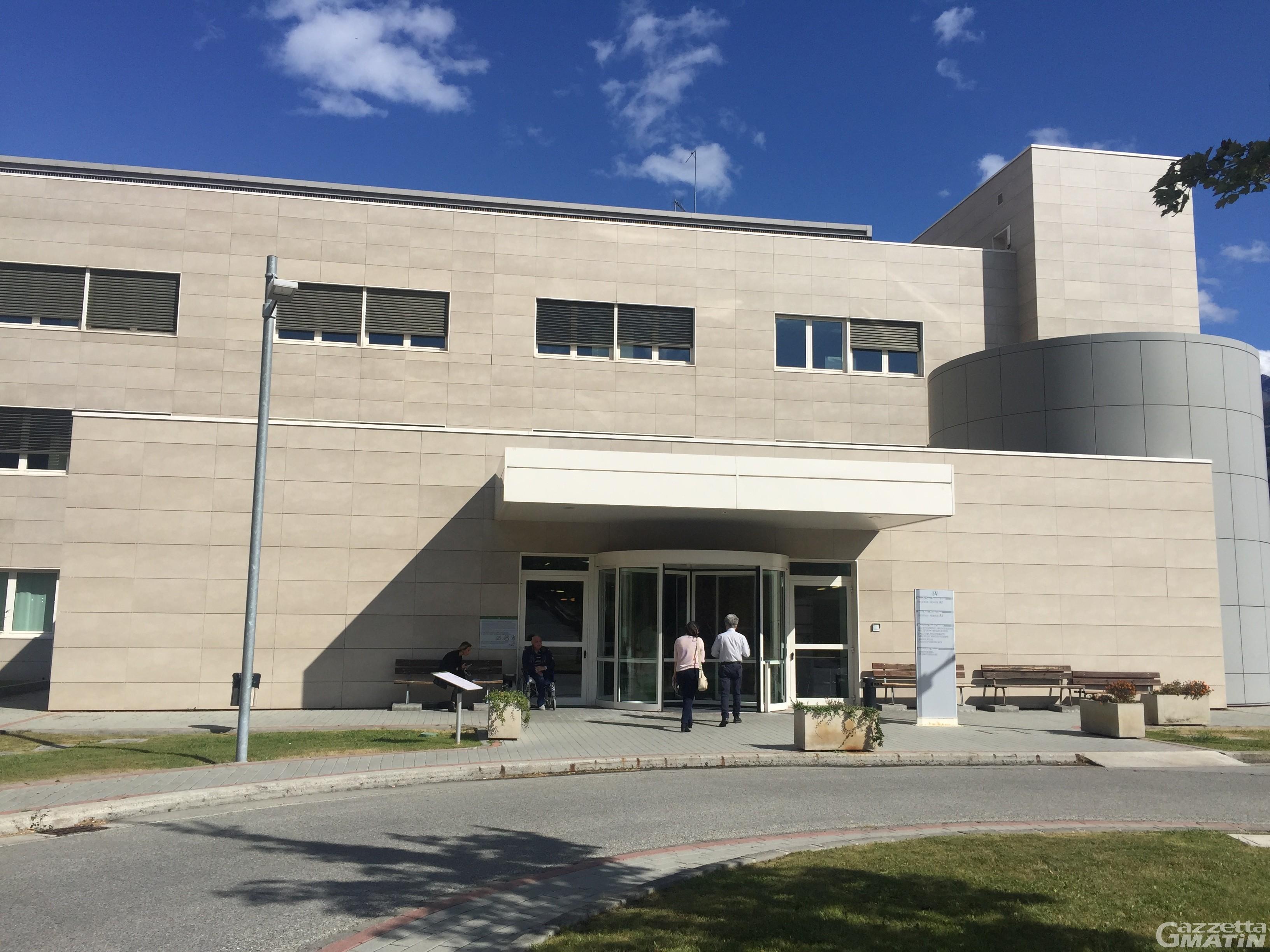 Coronavirus: 82 ricoverati al Parini, inizio trasferimento pazienti a Saint-Pierre
