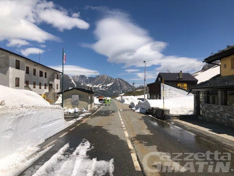 Maltempo: il Colle del Piccolo San Bernardo chiude per neve